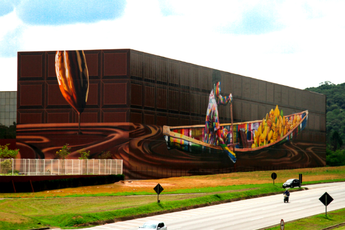 Largest spray paint mural by a team 2