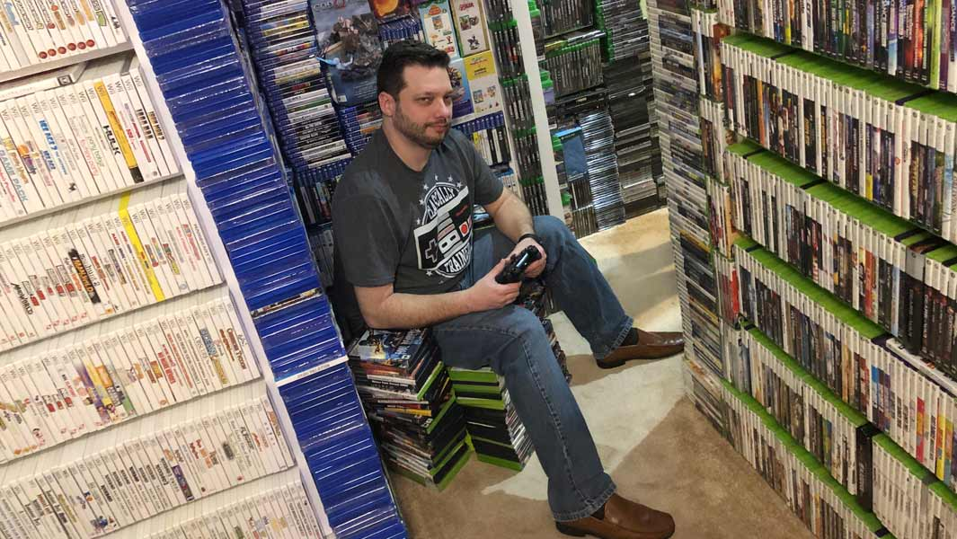 The largest collection of videogames is owned by Antonio Monteiro